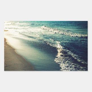 Océano y playa en la oscuridad pegatina rectangular
