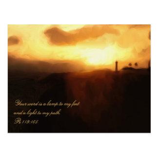 Océano y puesta del sol del faro de la escritura d tarjeta postal