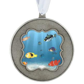 Océanos de pescados adorno ondulado de peltre