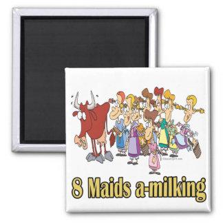 ocho criadas uno-que ordeñan el 8vo octavo navidad imán de frigorifico