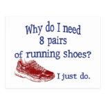 Ocho zapatillas deportivas de los pares tarjeta postal