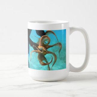 Octopus underwater coffee mug