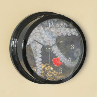 Octopus with Exposed Suction Cup Tentacles Aqua Clocks