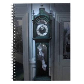 """""""Ocultando el cuaderno temático del horror del cue"""