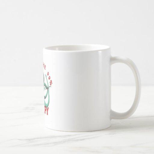 Ocupe el pulpo taza de café