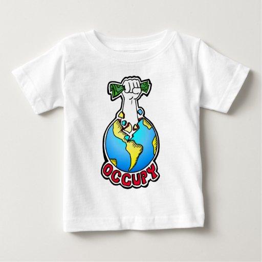 Ocupe la tierra t-shirts