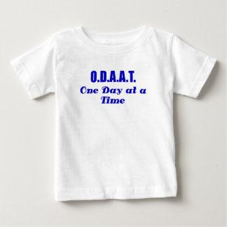ODAAT un día a la vez T-shirts