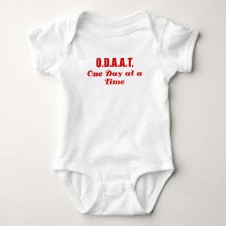 ODAAT un día a la vez Tee Shirt