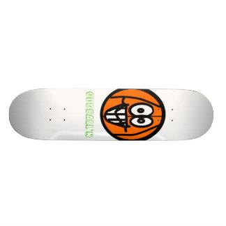 Oddball'n Skateboard