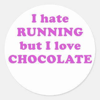 Odio correr pero amo el chocolate etiquetas redondas