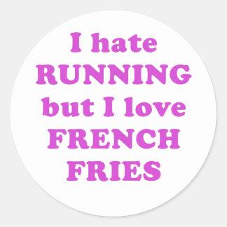 Odio correr pero amo las patatas fritas etiqueta redonda