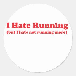 Odio correr rojo etiqueta redonda