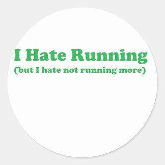 Odio correr verde pegatinas redondas