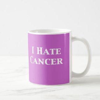Odio los regalos del cáncer taza básica blanca