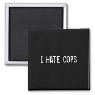Odio polis iman de frigorífico