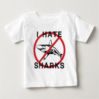 Odio tiburones playera de bebé