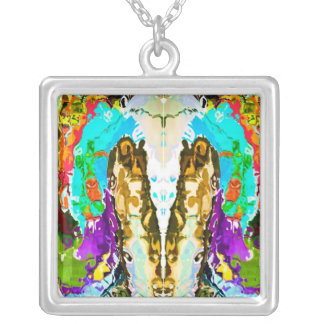 OFFERING Garlands Square Pendant Necklace