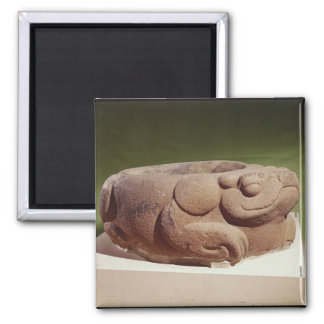 Offering vessel in the form of a giant toad, magnet