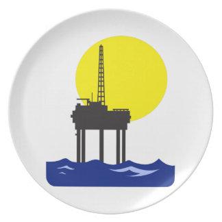 OFFSHORE OIL RIG DINNER PLATES