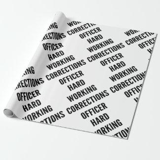 Oficial de correcciones de trabajo duro papel de regalo