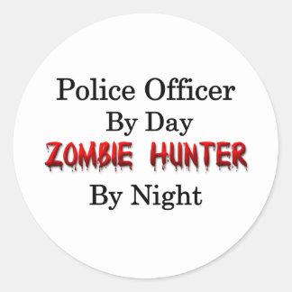 Oficial de policía/cazador del zombi pegatina redonda