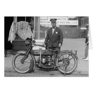 Oficial de policía de la motocicleta, 1924 tarjeta de felicitación