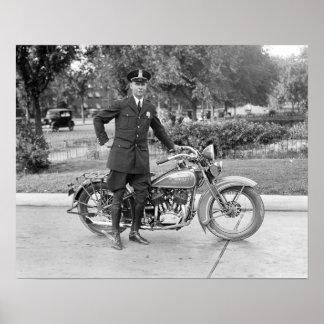Oficial de policía de la motocicleta, 1932. Foto Póster