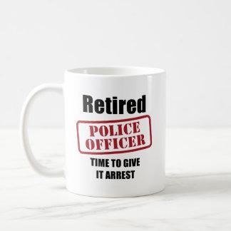 Oficial de policía jubilado taza clásica