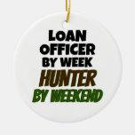 Oficial de préstamo del cazador del día por fin de adorno