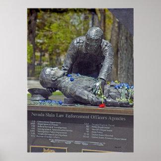Oficiales de paz matados del monumento póster
