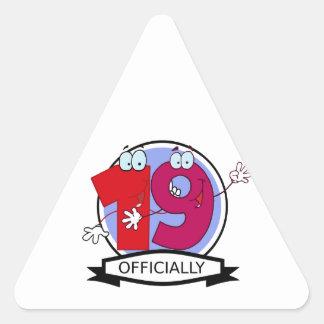 Oficialmente bandera de 19 cumpleaños pegatina triangular