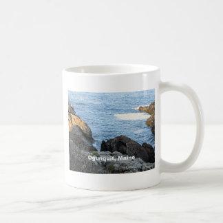Ogunquit, la costa costa rocosa de Maine Taza