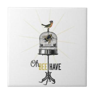Oh la abeja tiene la jaula de pájaros y corona de  azulejo cuadrado pequeño