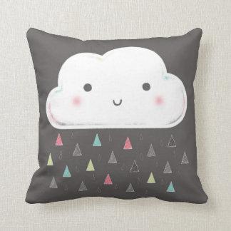 ¡Oh nube, está lloviendo triángulos! + Monograma Cojín
