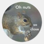 Oh nueces etiqueta redonda