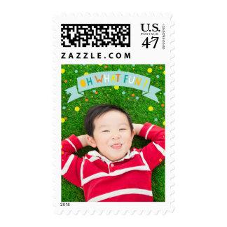 Oh qué franqueo del cumpleaños del muchacho de la timbres postales