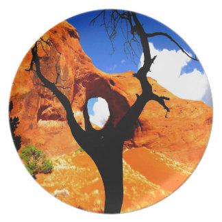 oído del agujero de la piedra arenisca del arco de platos