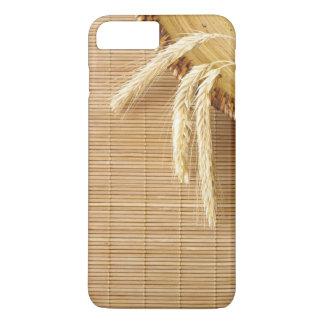 Oídos del trigo en la placa de madera funda iPhone 7 plus