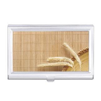 Oídos del trigo en la placa de madera cajas de tarjetas de visita