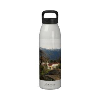 Ojai con nieve botella de agua