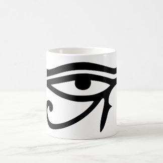 Ojo de la idea egipcia del regalo de dios de Horus Tazas