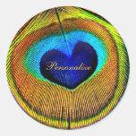 Ojo de las plumas del pavo real del amor con pegatina redonda