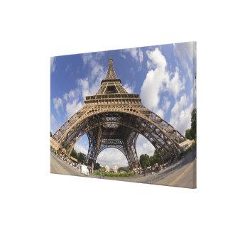 Ojo de pescados tirado de torre Eiffel Impresión De Lienzo