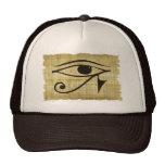 OJO de WADJET DE HORUS en el gorra del papiro