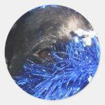Ojo del perro en malla azul del navidad pegatinas redondas