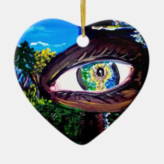 Ojo en el medio del bosque adorno navideño de cerámica en forma de corazón