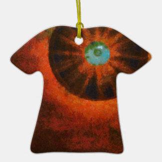 Ojo en la pintura del espacio adorno de cerámica en forma de camiseta