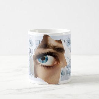 Ojo futuro de la casa taza