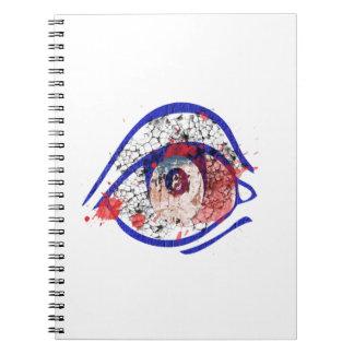 Ojo inyectado en sangre azul con las grietas note book