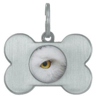 ojo nevoso del búho que busca para el amor placa mascota